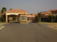 3 Bedroom Sectional Tiltle - R725,000